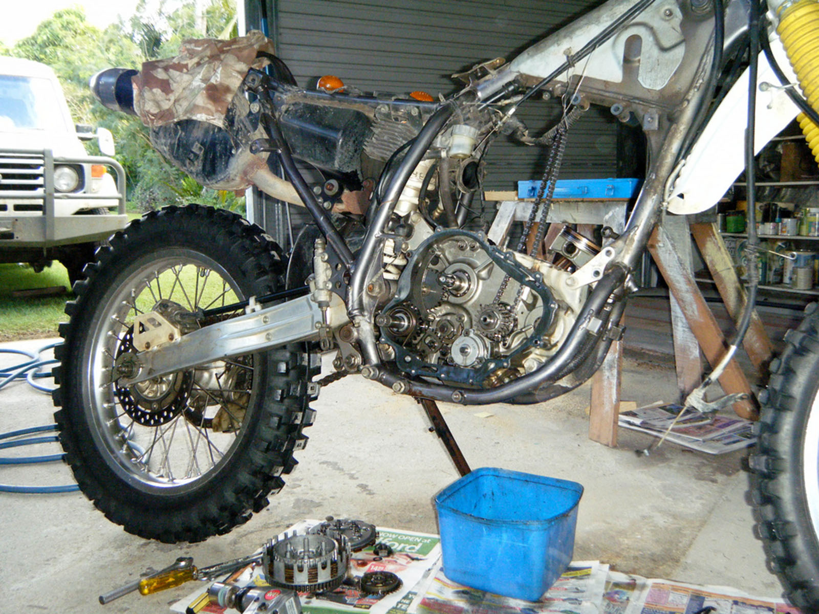DR 350 - Stripped down